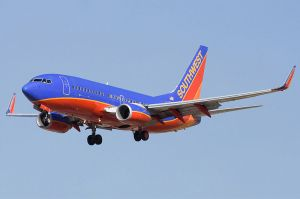 800px-Southwest_Airlines_Boeing_737-7H4_N231WN