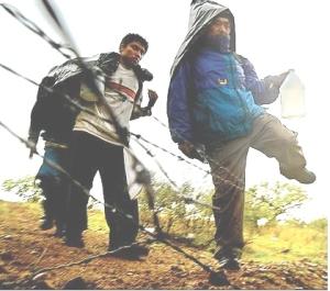 aliens-crossing-border